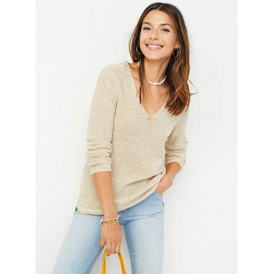 Contemporaine Ribbon-knit V-neck sweater edited modern fashion Straight fit with a wide V neckline 6867-10176